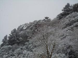 雪の宝満山