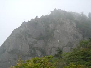 傾山頂を後に九折越へ向かいます